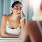 17 Best Makeup Removers For All Skin Types (With Price & Review)